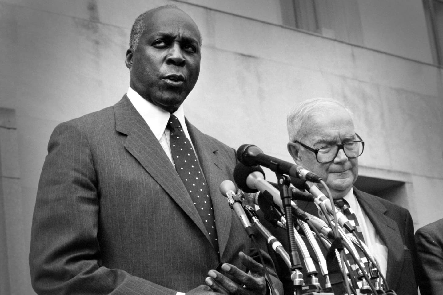 Access here alternative investment news about Vernon E. Jordan Jr., Lawyer And D.c. Political Power Broker, Dies At 85 - The Washington Post