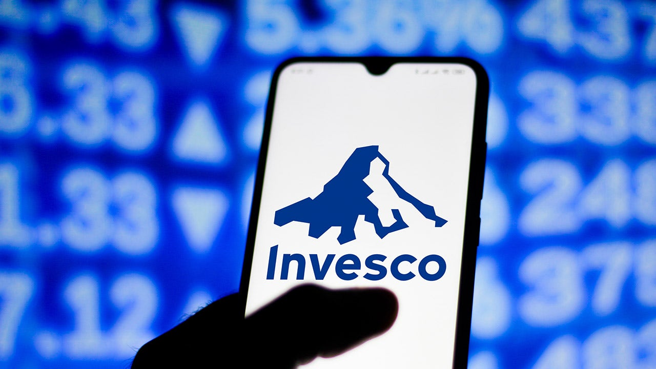 Access here alternative investment news about Invesco In Talks To Merge With State Street's Asset-management Business | Fox Business
