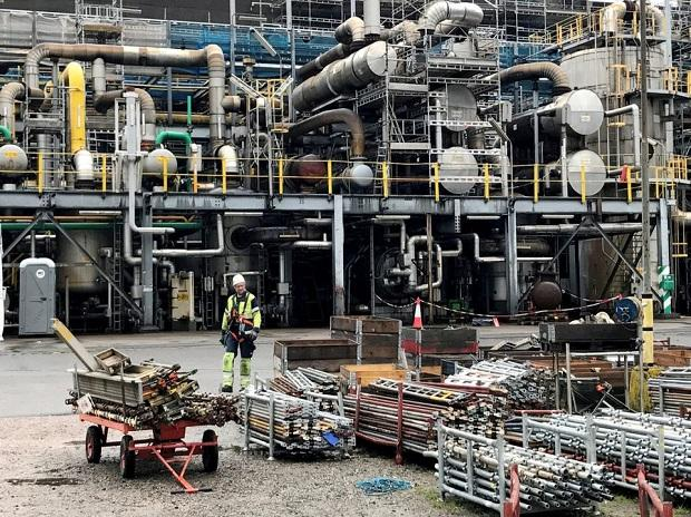 Access here alternative investment news about Soaring Natural Gas Prices Ripple Through Heavy Industry, Supply Chains | Business Standard News