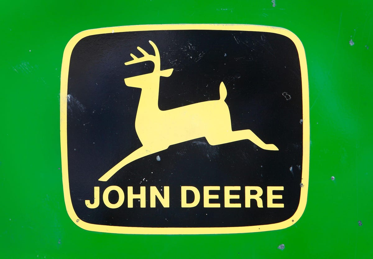 Access here alternative investment news about Here's Why Deere Stock Is Likely To See Higher Levels After A 5% Fall In A Week