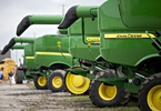 deere-misses-earnings-says-farmers-delaying-purchases-due-to-trade-war