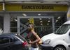 Brazil Banking Giant's Share Sale Raises $1.4B