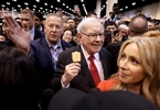 Access here alternative investment news about Buffett Defends Berkshire Stock Push, Reassures On Future As Profit Smashes Record