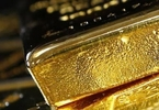 gold-slips-from-one-month-high-after-us-data-palladium-rises