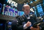 private-equity-struggle-to-invest-etf-flush-with-cash