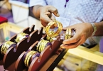 gold-prices-surge-over-rs350-on-worries-over-north-korea