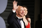 jeff-bezos-bumps-bill-gates-from-the-top-of-the-forbes-billionaires-list