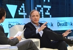 worlds-largest-hedge-fund-is-reportedly-changing-its-structure
