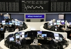 growth-and-trade-nerves-grind-european-shares-down-to-2-week-low-reuters-C8ymcjhcT4ZEhaWcAxVoxL