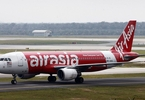 us-fund-castlelake-said-to-strike-800m-aircraft-deal-with-airasia